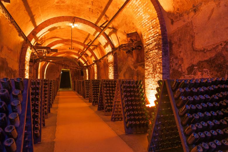 Что крепче шампанское или вино